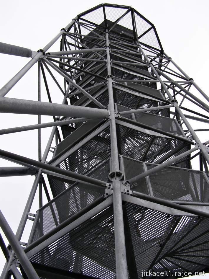 Drnovice - rozhledna Chocholík - schodiště