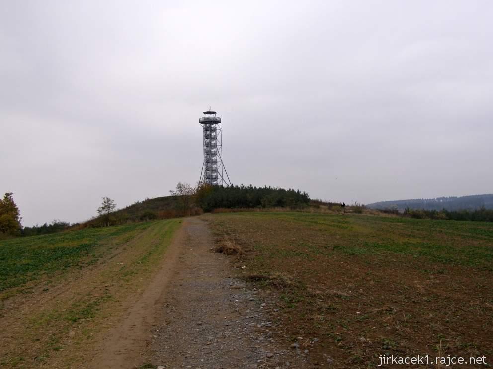 Drnovice - rozhledna Chocholík - pohled z dálky