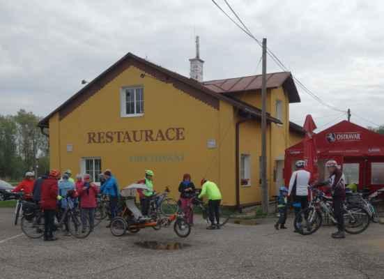 V pátek ráno jsme vyjížděli ještě před 9 hodinou od restaurace u Čochtana, protože od 10h jsme měli rezervovanou prohlídku na Landeku.