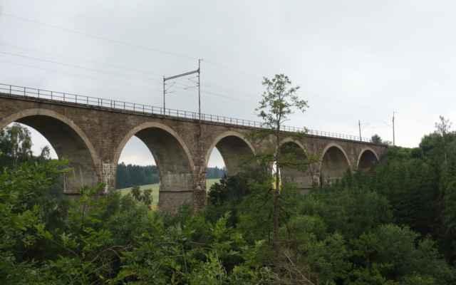 Železniční trať na Brno teď vede jinudy.