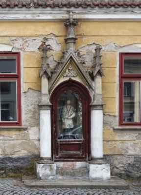 s vestavěnou kapličkou sv. Jana Nepomuckého.