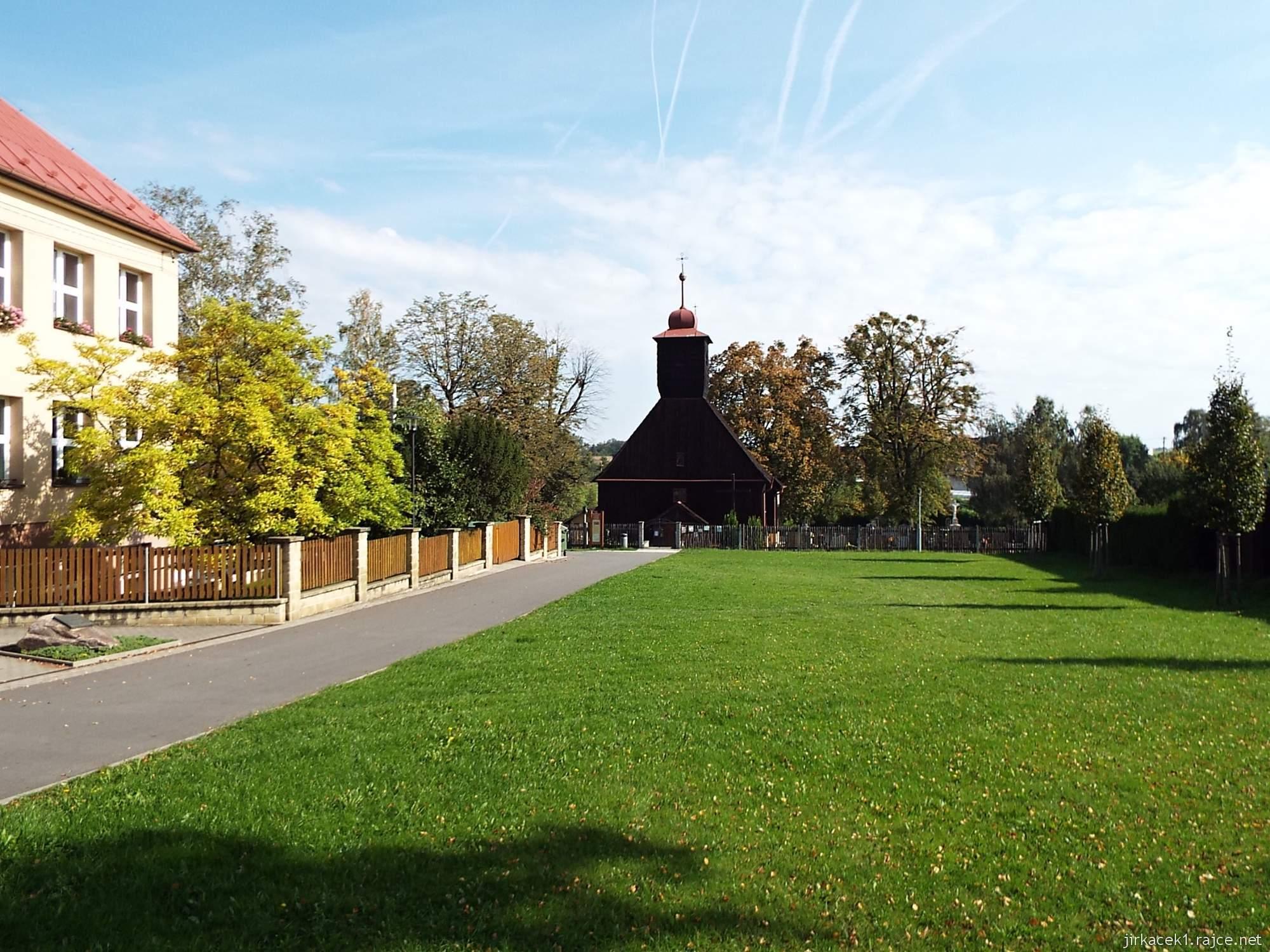 Řepiště - kostel sv. Michaela archanděla 01 - celkový pohled