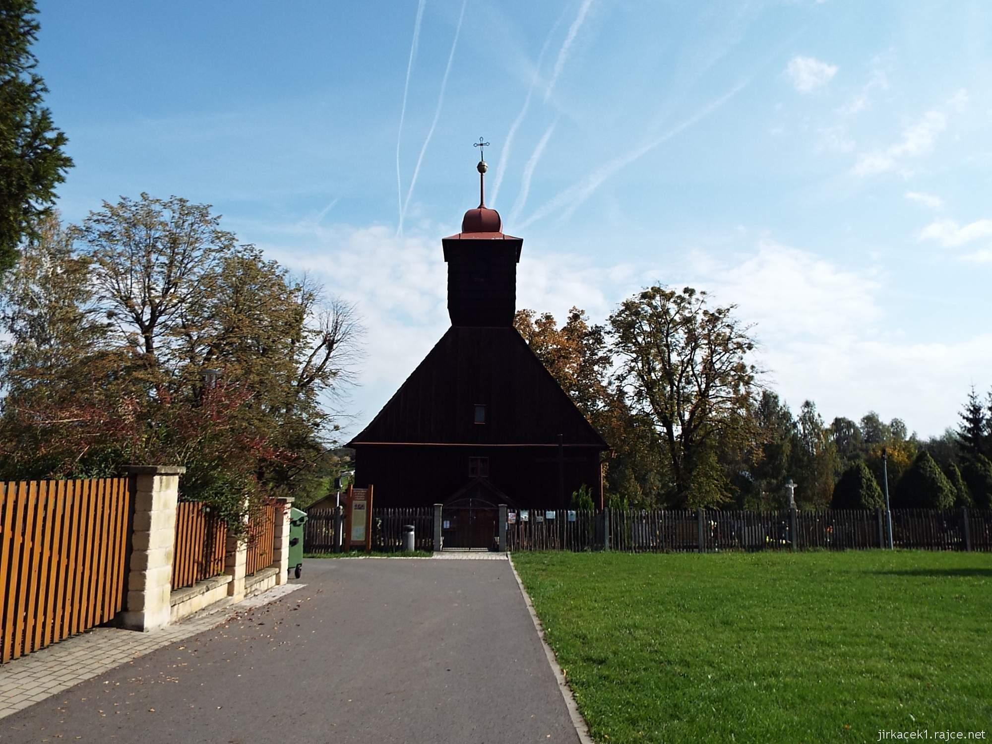 Řepiště - kostel sv. Michaela archanděla 02 - čelní pohled