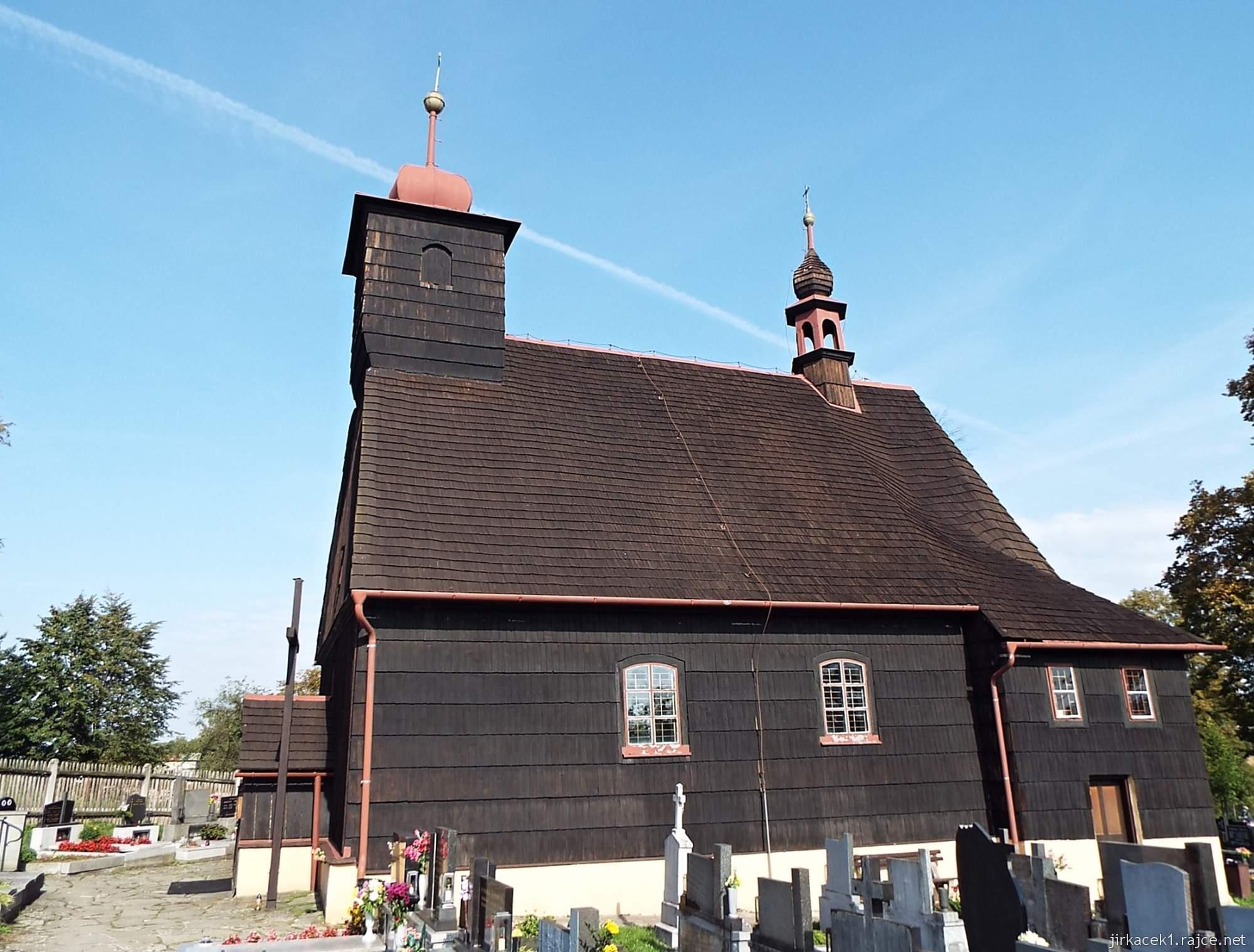 Řepiště - kostel sv. Michaela archanděla 12 - boční pohled