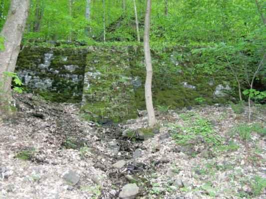 Weisshuhnův kanál 18 - mostek přes kanál na papírenský splav