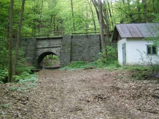 Weisshuhnův kanál 21 - jeden ze dvou akvaduktů