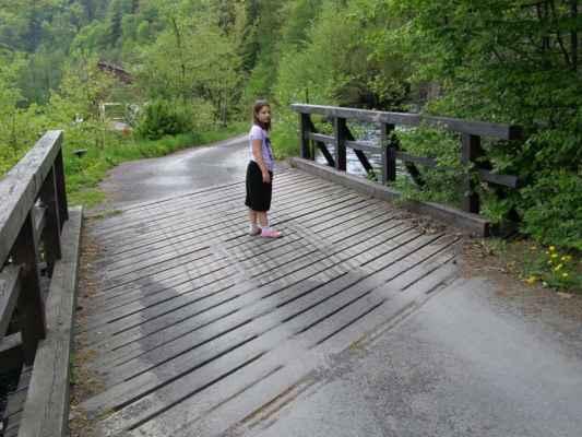 Weisshuhnův kanál 41 - červená trasa - most u vodního náhonu