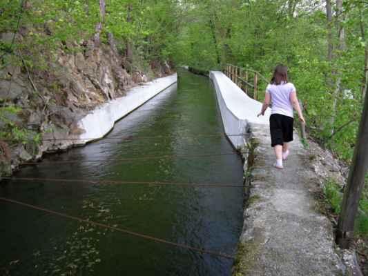 Weisshuhnův kanál 43 - kanál u mostku