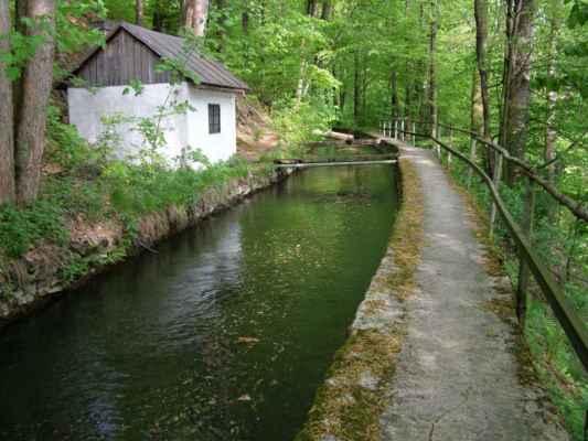 Weisshuhnův kanál 53 - další domek u kanálu