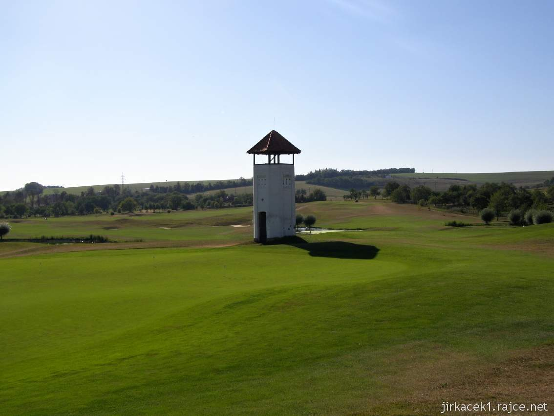 Slavkov u Brna - rozhledna na golfovém hřišti