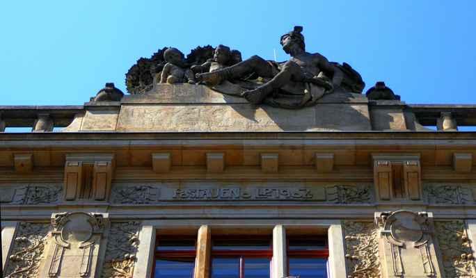 28. října 13 - bývalá Pražská úvěrní banka