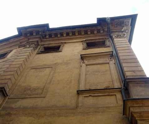 Všehrdova 18 - Michnovský palác