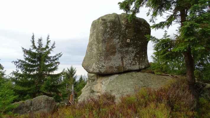 Čertův odpočinek je skalní útvar, který se nachází na úbočí Černé hory, cca 300 m jihovýchodně od vrcholu