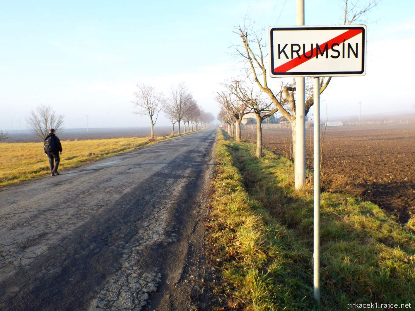 089 - konec obce Krumsín a také slunečného počasí