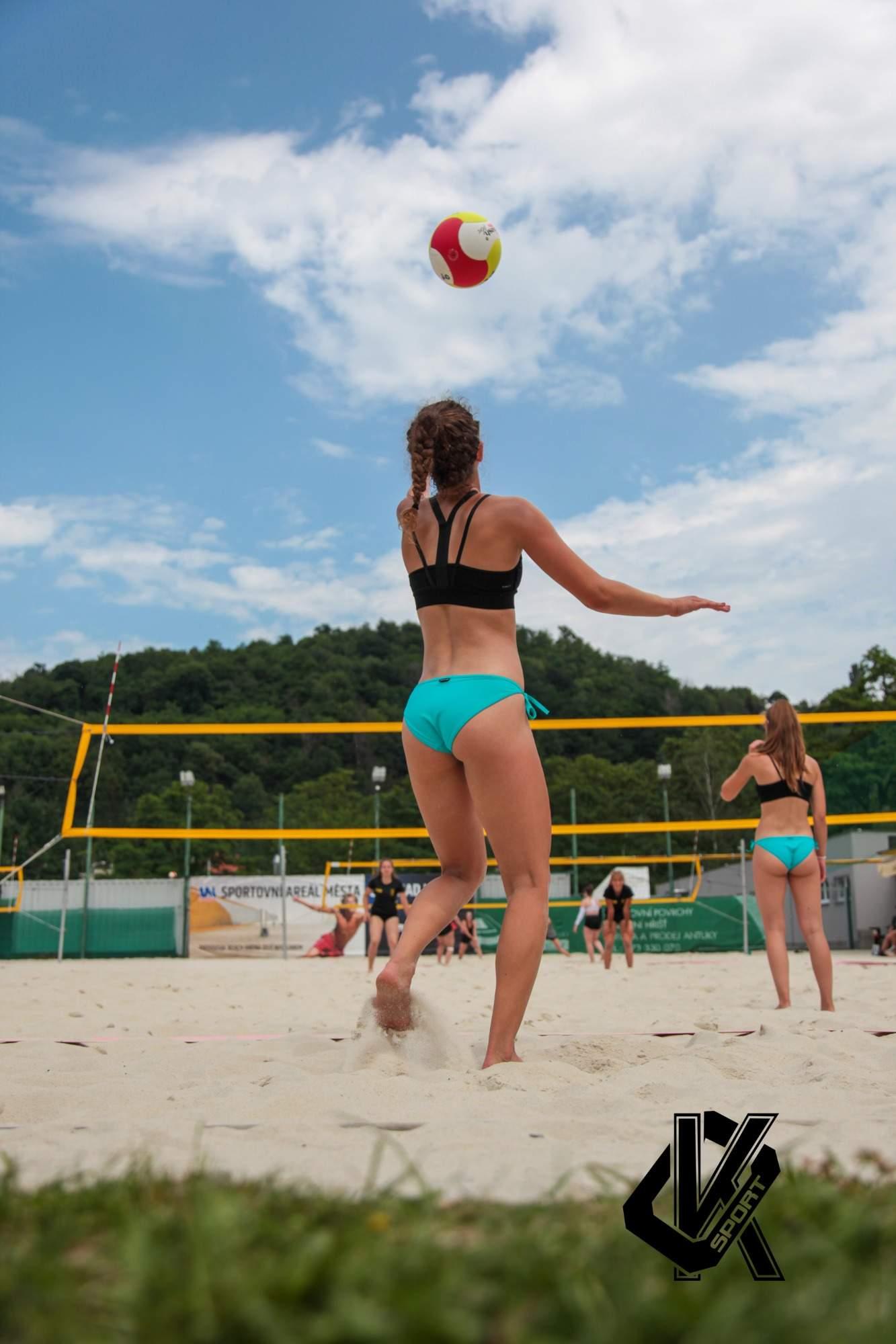 rajce.idnes. beach 2 rajce.idnes. Chorvatsko naked)