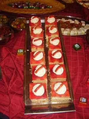 Ovocné dortíky se želatinou a šlehačkou